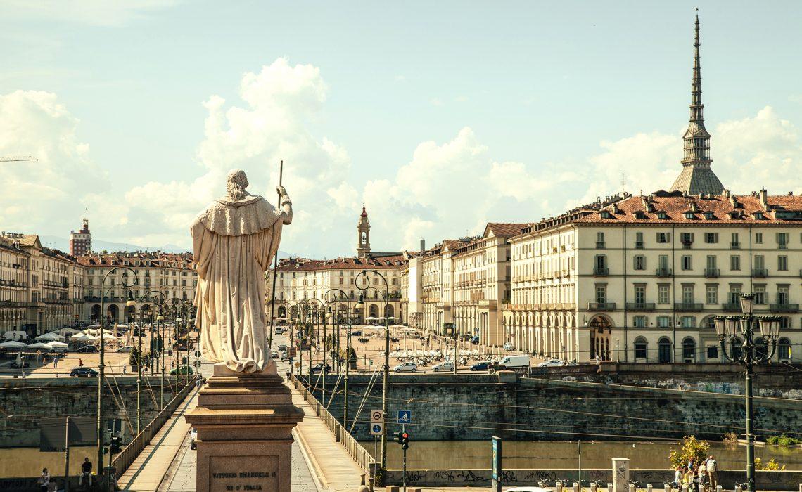 Erlebnisse vom EYE-Project in Turin.  Ein Reise-Literatur-Bericht aus dem Piermont.
